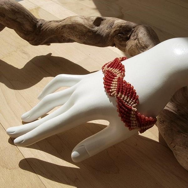 bracelet macramé créaléliam vagues rouge corail et perles