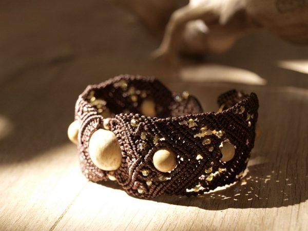 Bracelet manchette macramé marron et bois Créaléliam