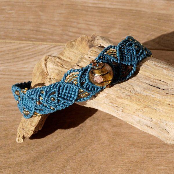 Bracelet ethnique macramé bleu pétrol et perles ambrées Crealeliam