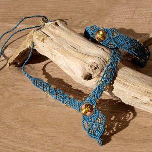 Parure bijoux ethnique macramé bleu pétrol et perles ambrées
